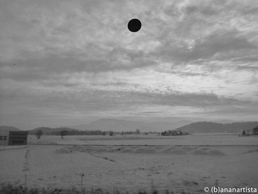 BLACK SUN IN WINTER WHITE landscape photography by (b)ananartista sbuff © 2016 all rights reserved