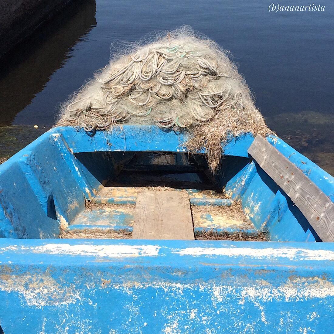 navigo in cattive acque: nave blu : fotografia di (b)ananartista sbuff
