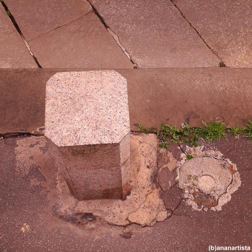 sovramondi da marciapiede: fotografia di (b)ananartista sbuff