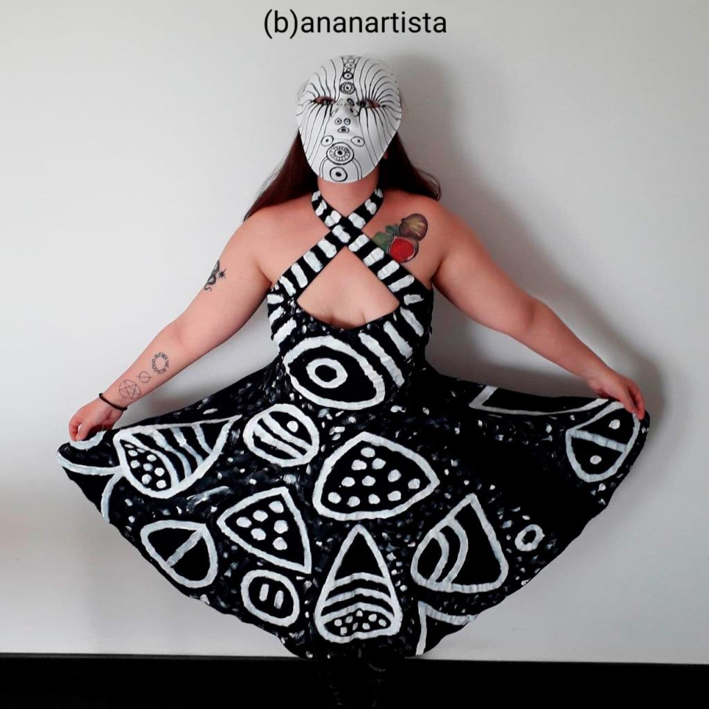 nuovo vestito, nuova maschera, modella Elide
